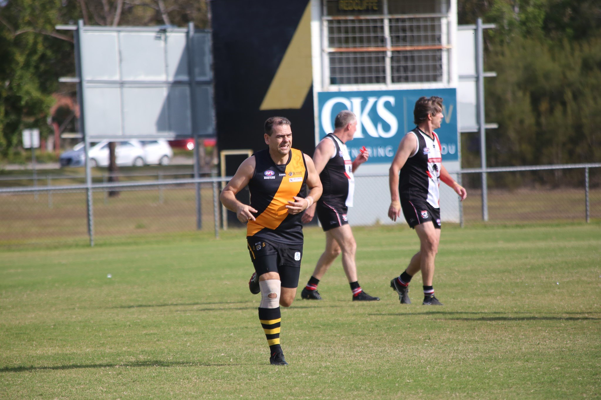 Redcliffe Tigers Senior kicking